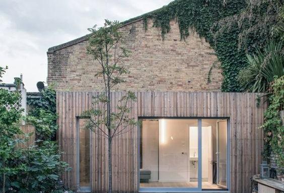 Extension de maison en bois avec grande baie vitrée - Nantes 44
