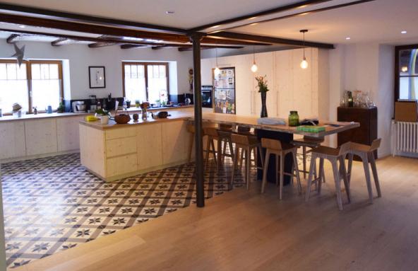 Carreaux de ciment et parquet, démarcation entre cuisine et salon - Nantes 44